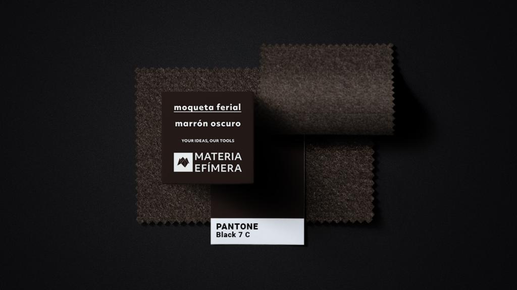 Moqueta ferial marrón oscuro- Muestra moqueta color marrón oscuro-PANTONE Black 7 C-MATERIA-EFÍMERA-STANDS